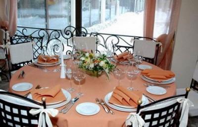 История скатерти для праздничного стола