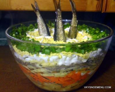 """Праздничный салат """"Рыбки в пруду"""""""