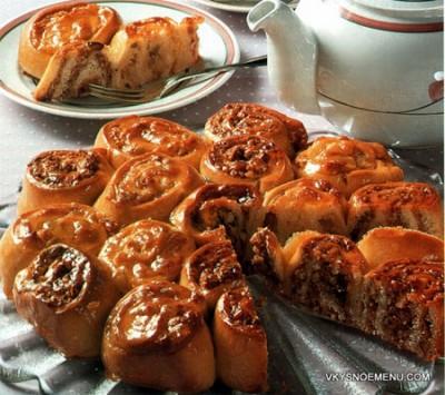 """Ароматный пирог к чаю """"Букет роз"""" с двумя начинками"""