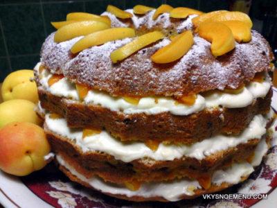 Кофейный торт с абрикосами и нежным творожным кремом