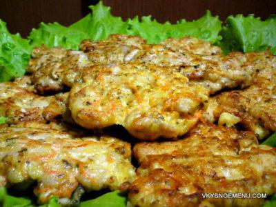 Куриные котлеты с тыквой, сыром и орехами