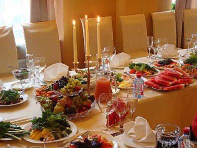 Эффектное украшение праздничных салатов