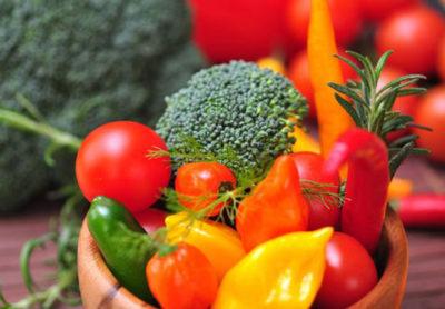 Как снизить содержание химикатов в ранних овощах?