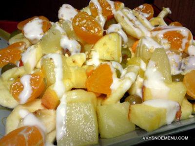 Фруктовый салат с яблоками