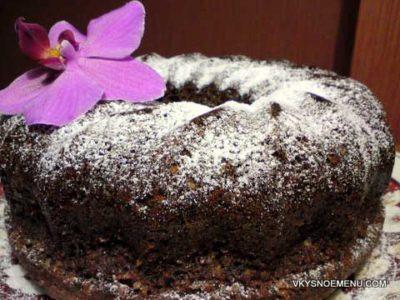 Верх лимонного кекса можно посыпать сахарной пудрой