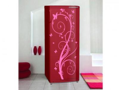 Цветной холодильник Атлант является ярким акцентом любого интерьера кухни