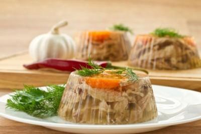 Заливное - традиционное блюдо на новогоднем столе