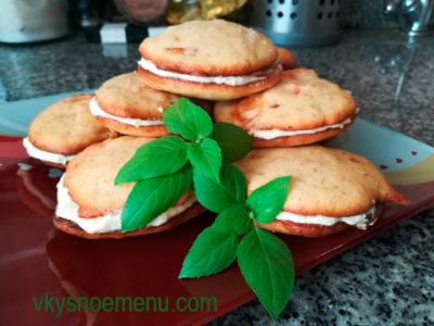 Вкусные фруктовые пирожные с абрикосами
